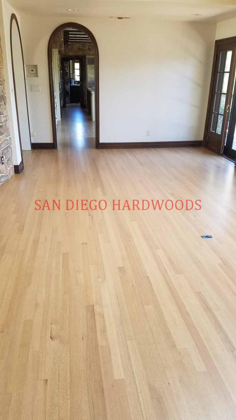 HARDWOOD FLOOR REFINISHING IN SAN DIEGO. OAK FLOOR REFINISH LICENSED PRO